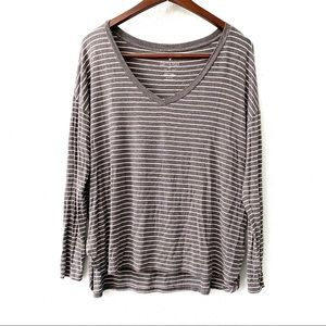 American Eagle Soft & Sexy Striped V-Neck Shirt M
